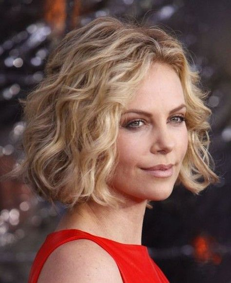 Loose Spiral Perm Short Hair Charlize Theron Curls Hairstyles Haircut Pinterest Curled