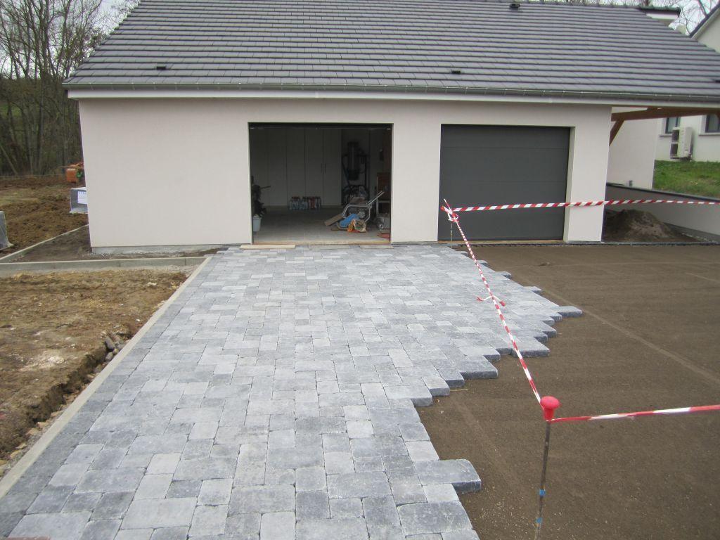 Entreprise Amenagement Exterieur Moselle voie - allée - enrobée][] trottoir ou chemin pavé - moselle