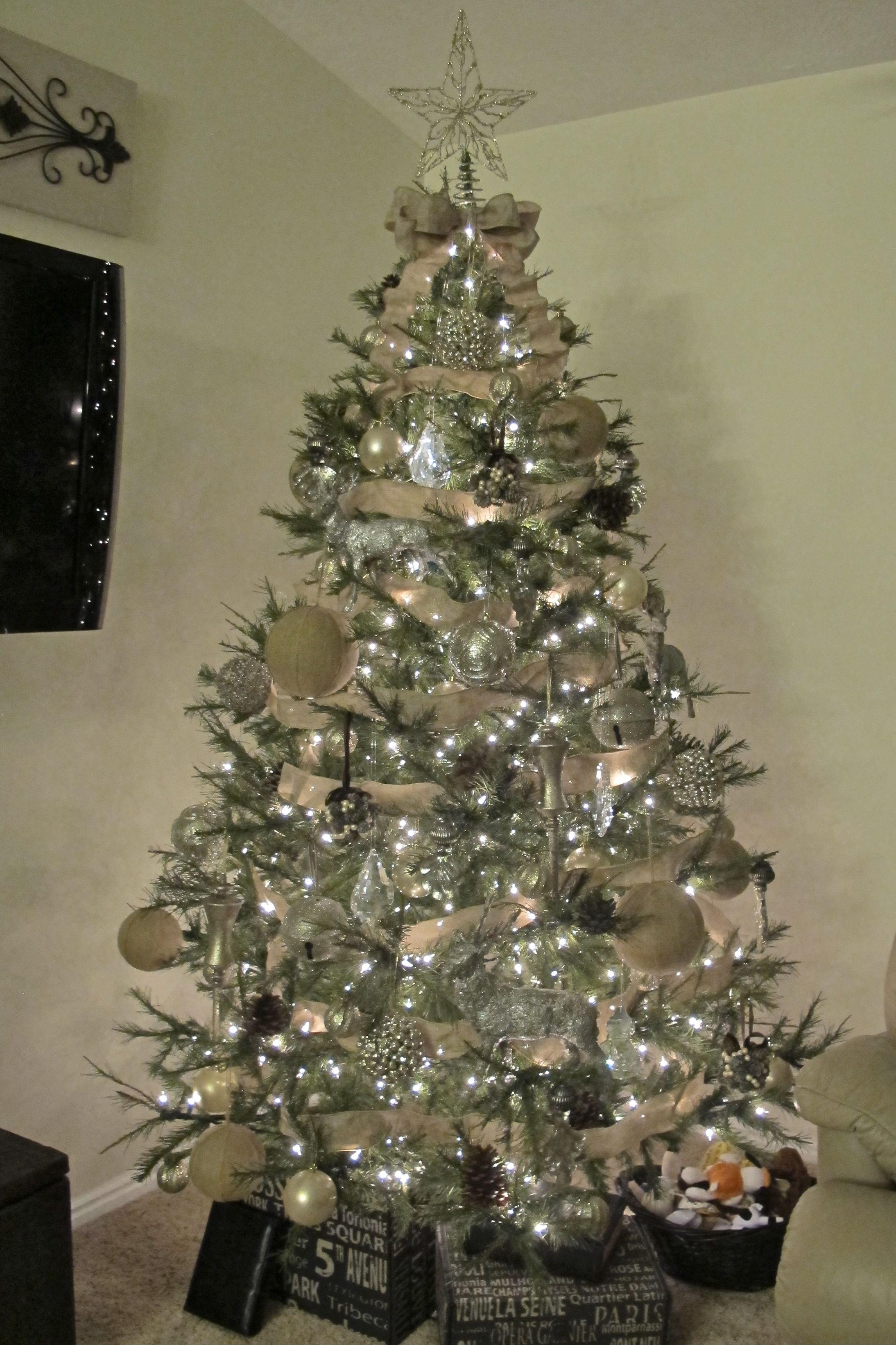 Burlap meets Glam Christmas Tree Decor Ideas