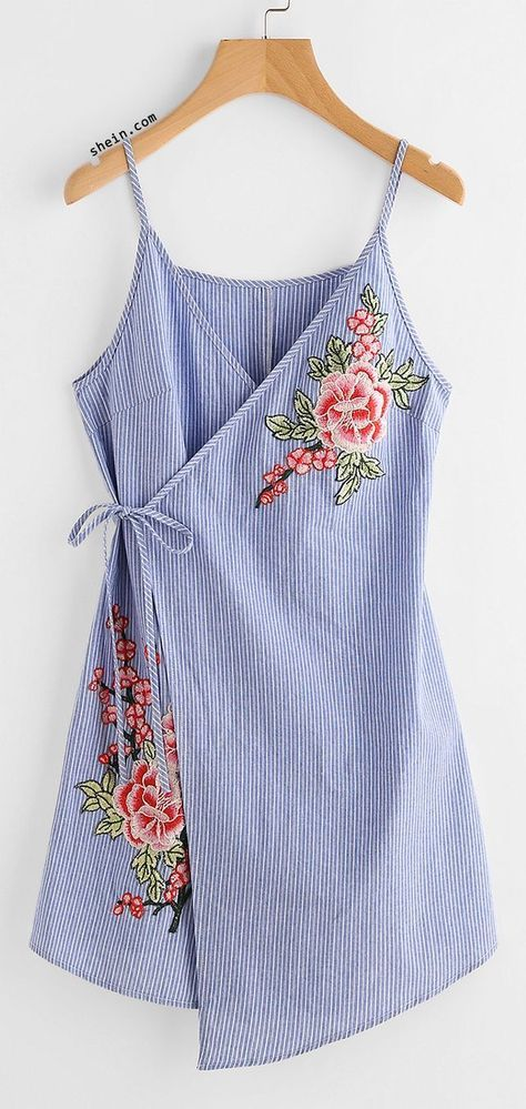 I think this would make a nice summer robe. Vestido tipo túnica para verano en Jean bordado
