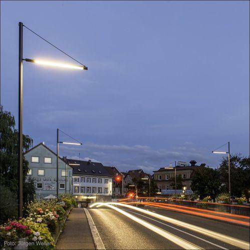 Lampadaire de jardin urbain contemporain en polycarbonate