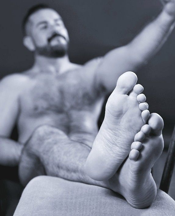 Delicious And Hot In 2019: Delicious And Cute Sniffy Feet ... Mmm To Lick These Nice