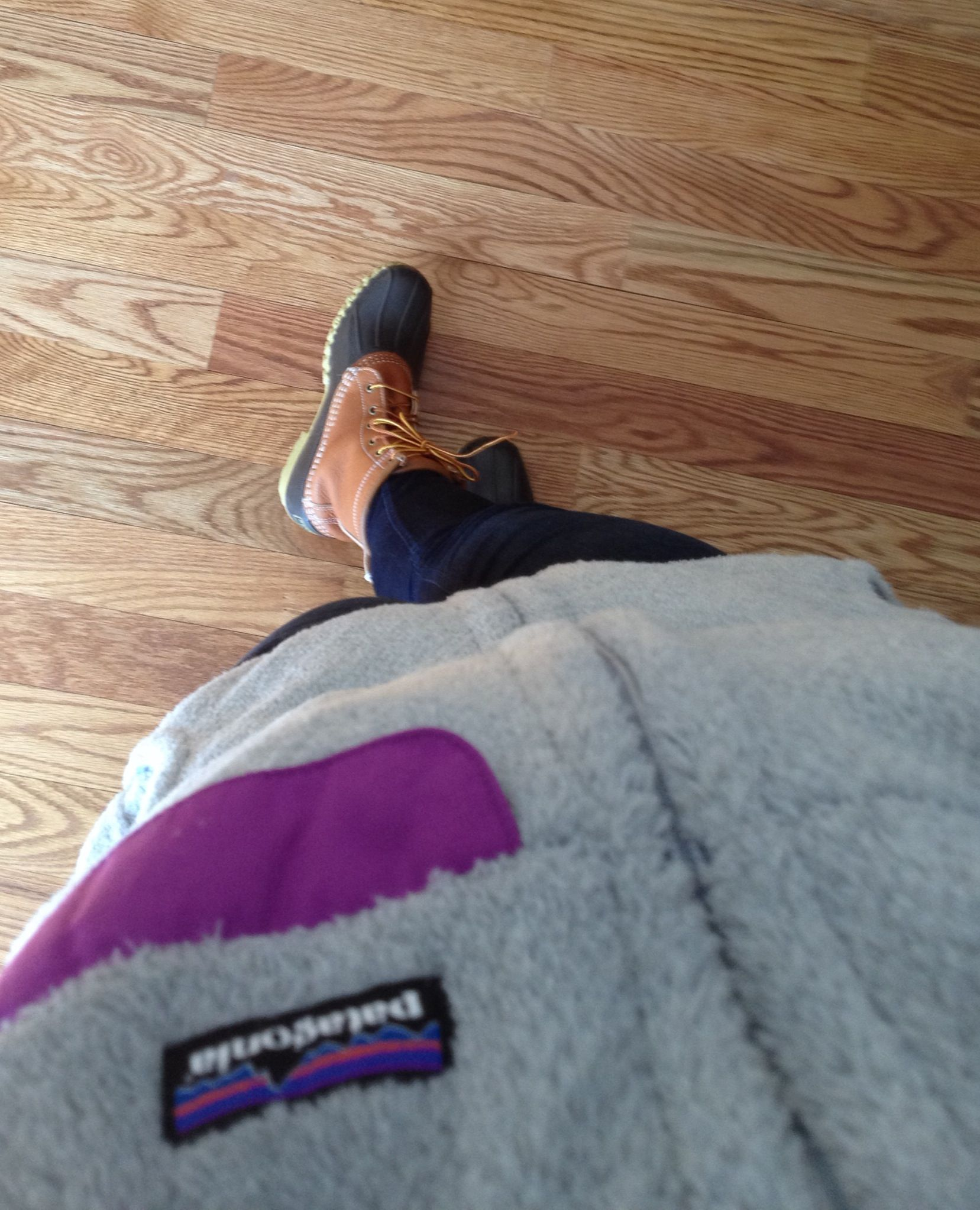 Patagonia fleece vest. Skinny sevens and Bean boots. #beanboots #llbean #patagonia #onlywaytosurviveCTwinters