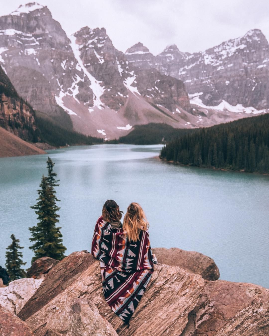 Moraine Lake Banff National Park Calgary Alberta Travel Style Sack Cloth Ashes Outdoors Adventure In Best Friends Instagram