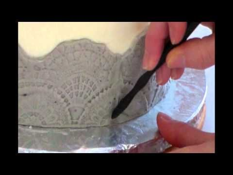 How to fill in gaps between fondant borders for cake decorating