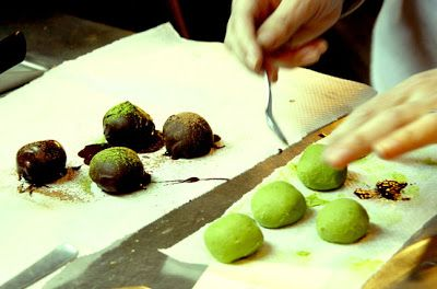 COOKING WITH JAPANESE GREEN TEA: Homemade Matcha Truffles for Valentine's Day