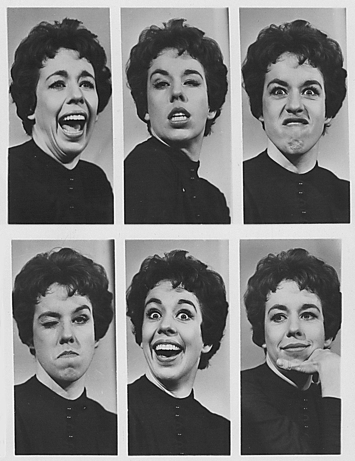 This Lady Didn T Stay In The Back Row For Very Carole Carol Burnett Carol Friends