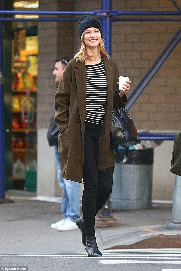 Karlie Kloss goes make-up free to show off natural beauty | Daily Mail Online