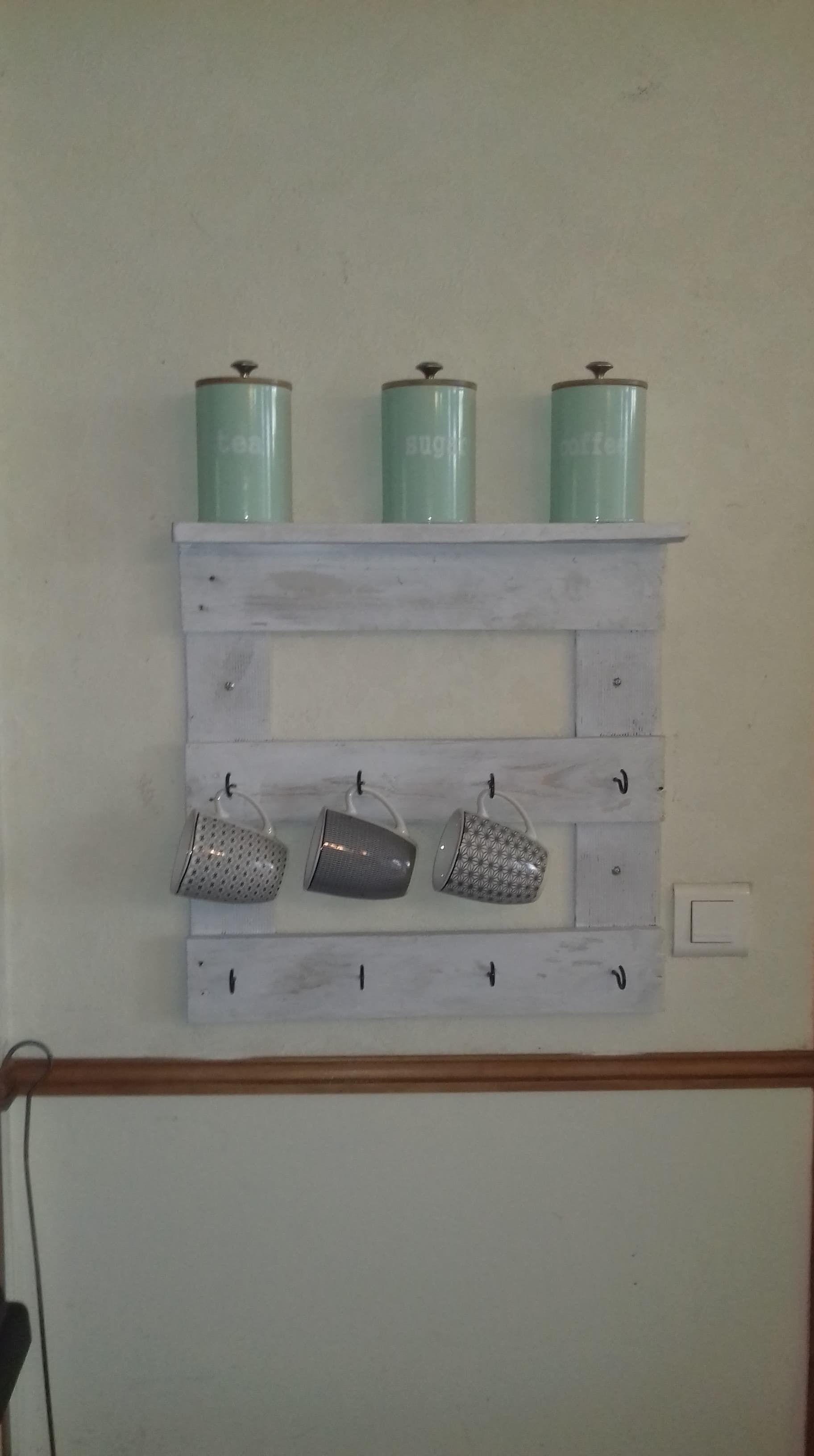 Wooden mug rack