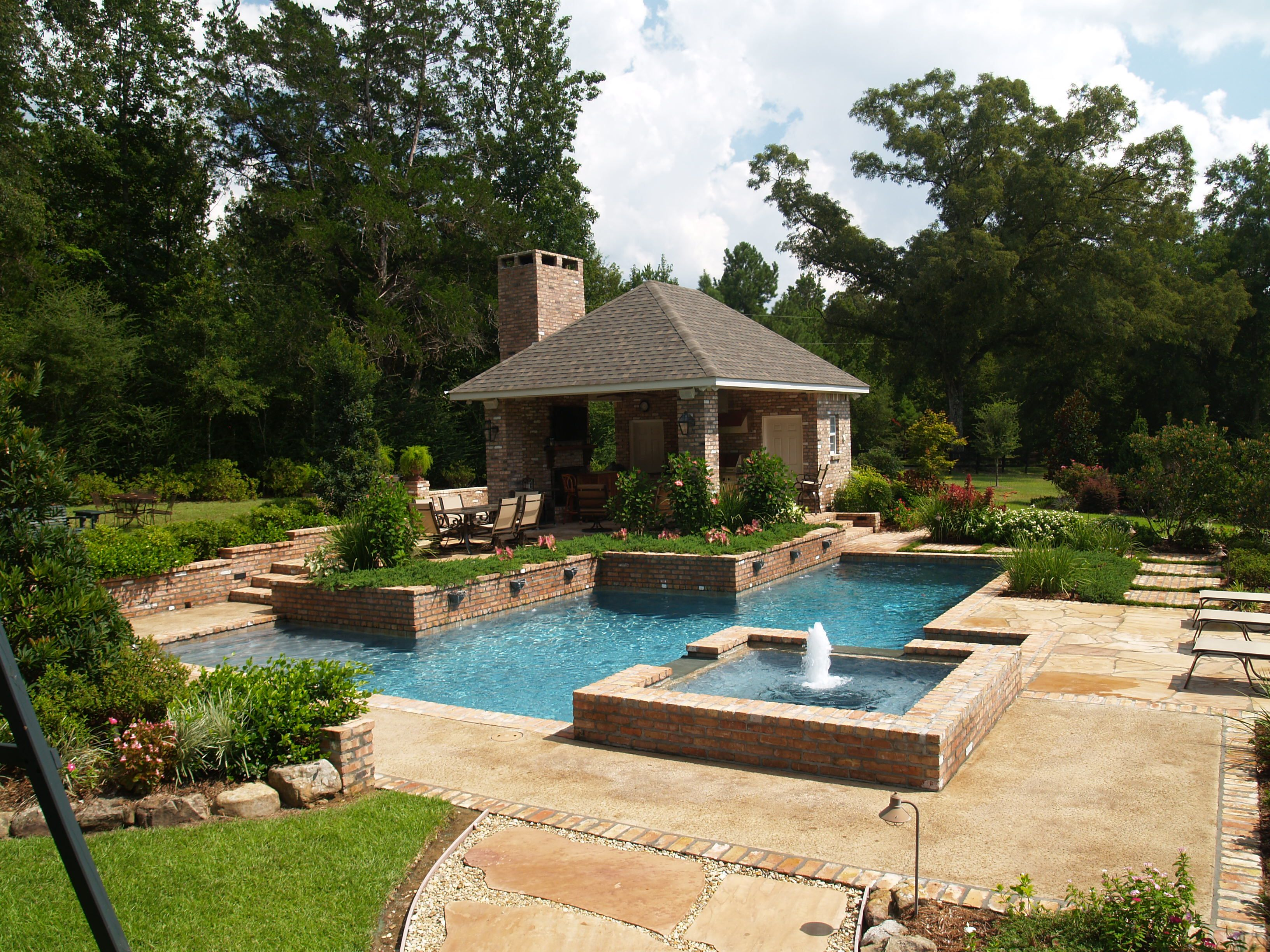 Pool with outdoor kitchen pools pinterest for Outdoor pool