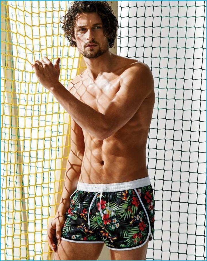 suche nach original Geschicktes Design sehr bequem Wouter Peelen Tackles Summer Swimwear with Calzedonia ...