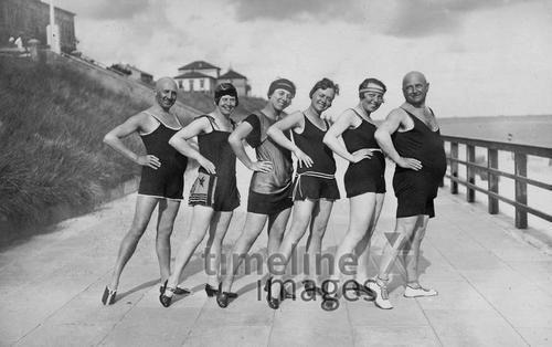 Reisegruppe an der Ostsee, 1926 kartique/Timeline Images