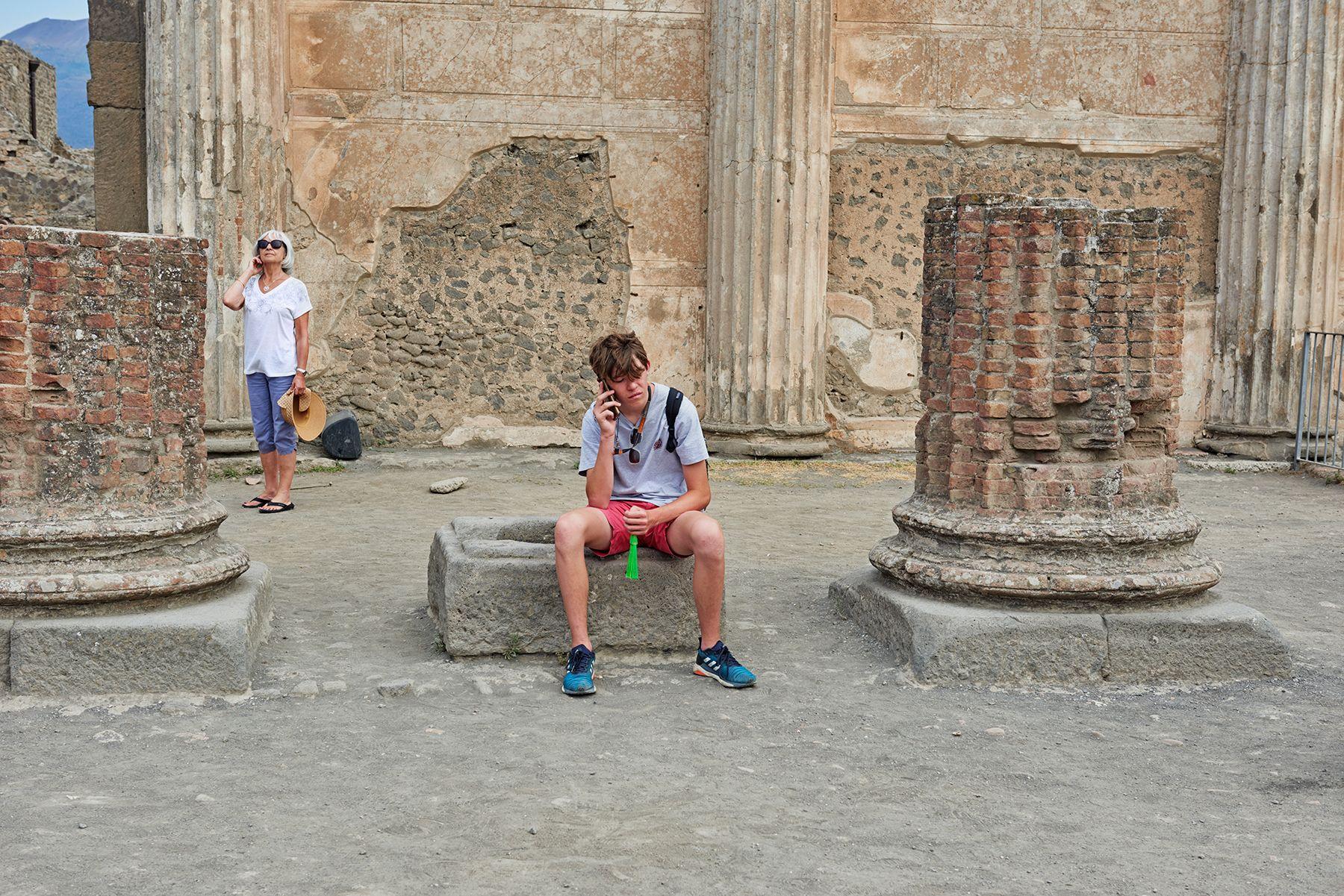 En Pompeya…  y con móvil.