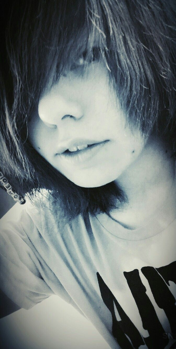 Handsome boy hairemoscene style pinterest handsome emo and