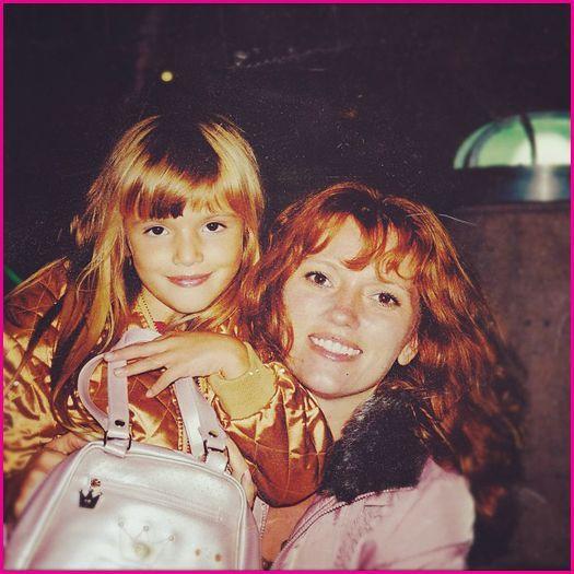 Bella Thorne Mom