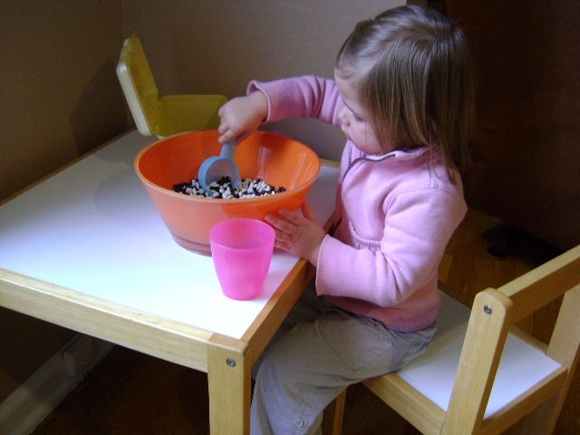 a handful of toddler activities with things you have around the house
