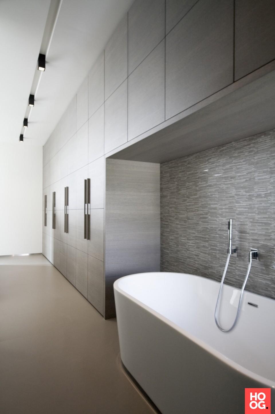 Luxe ligbad in badkamer design | badkamer ideeen | design ...