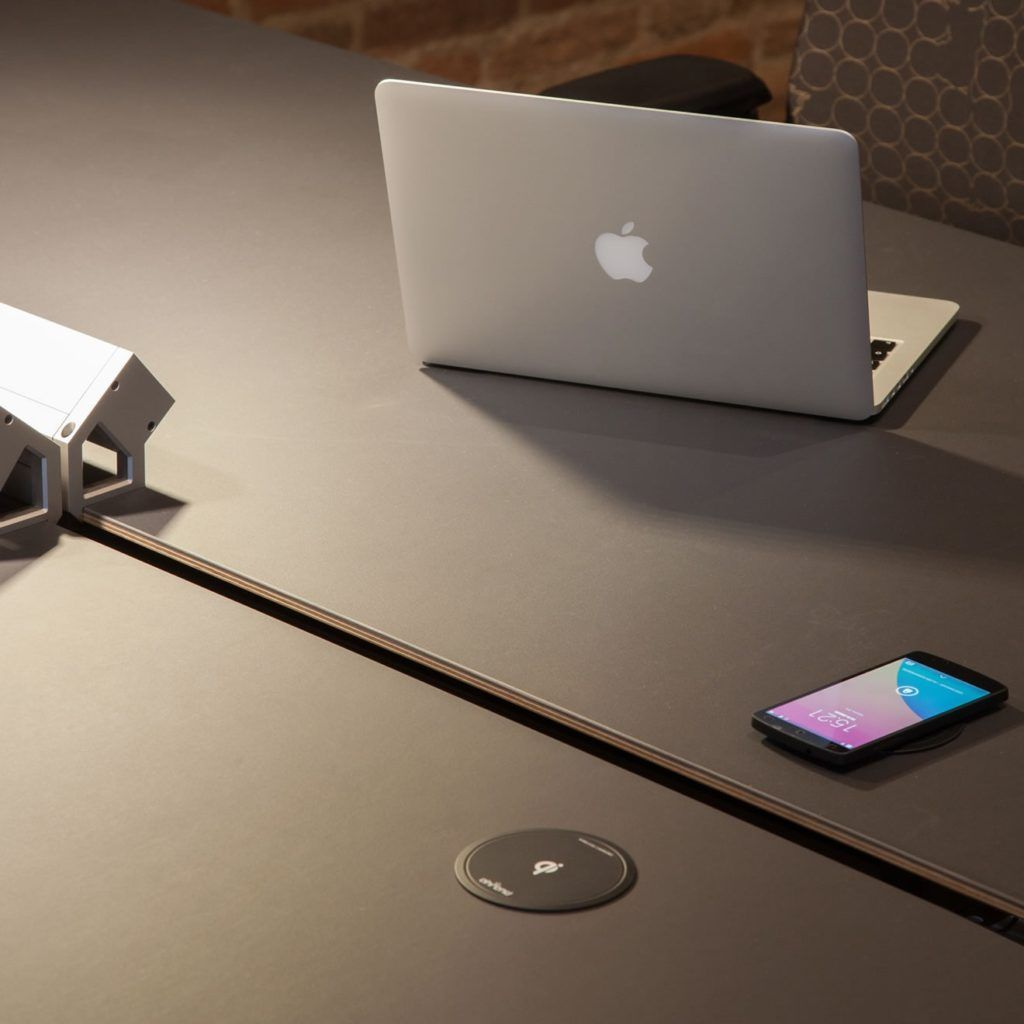Enjoy wireless fastcharging without tangled cords for