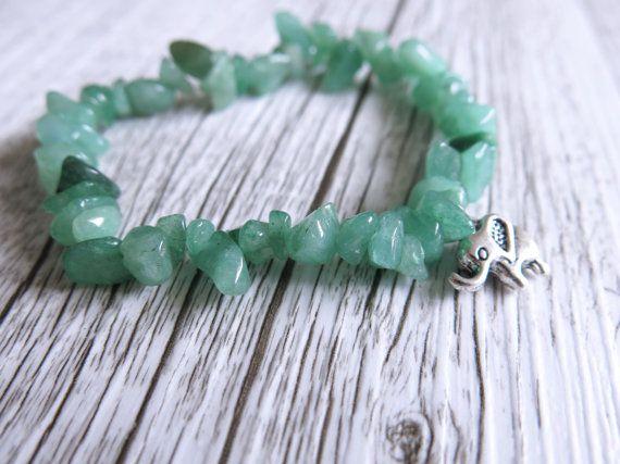 Jade Chip Bracelet Healing Stone Bracelet por charlotteandmoon