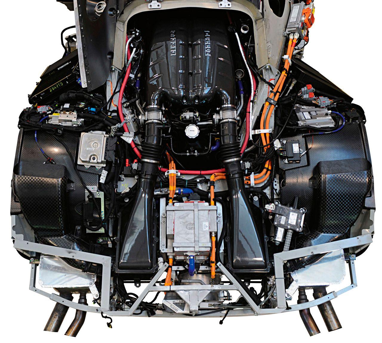 Ferrari Nuova Enzo: Foto Del Motore