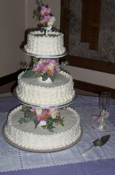wilton wedding cake stands floating tiered wedding cake basket weave design on sides 27534