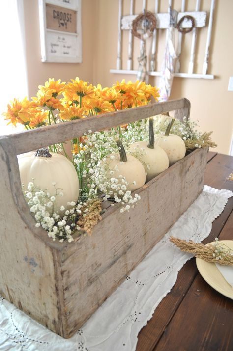 Vintage Thanksgiving Table Vintage thanksgiving, Thanksgiving