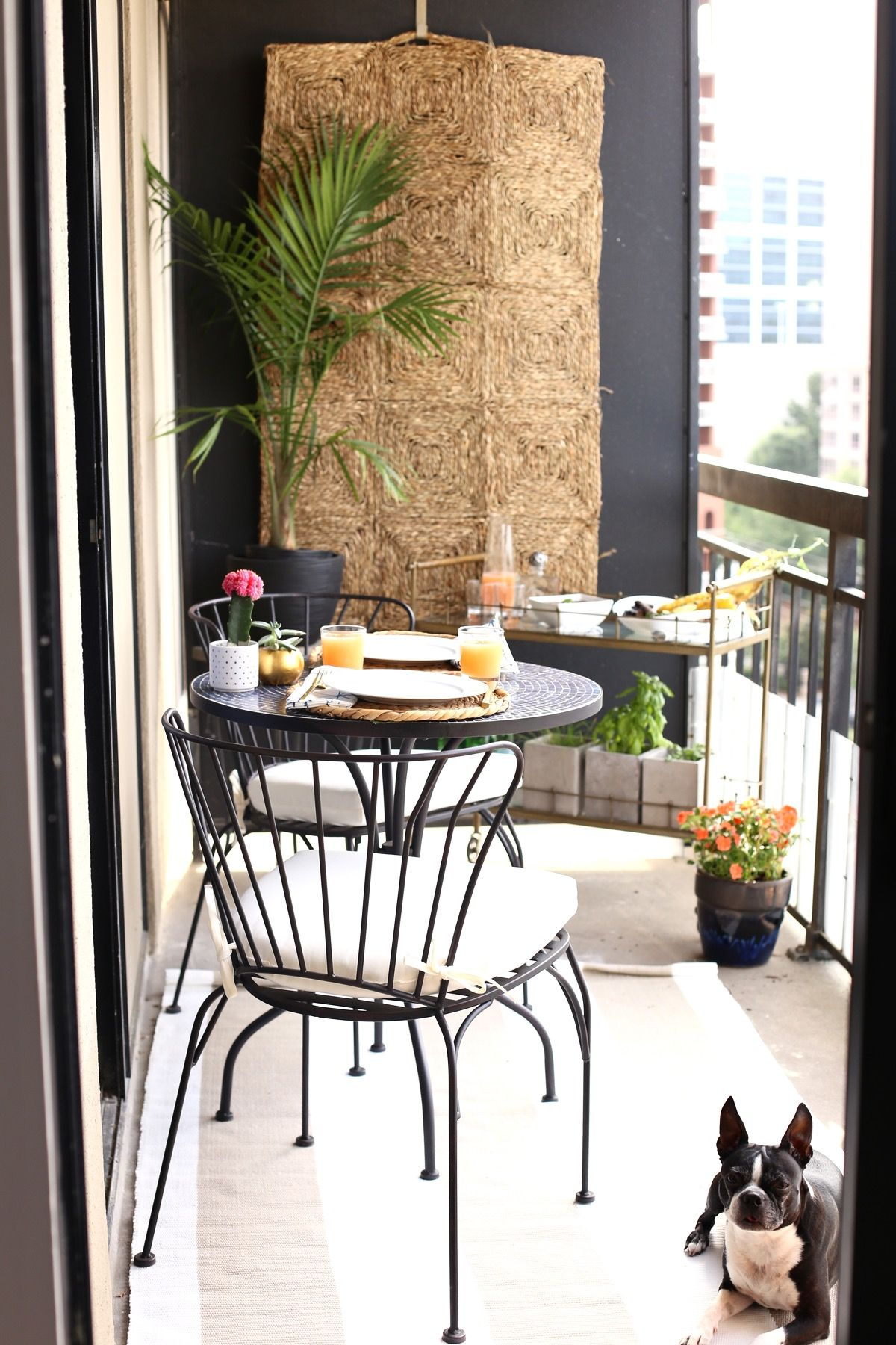 High rise patio ideas rustic chic wall colors and behr for Balcony wall decoration