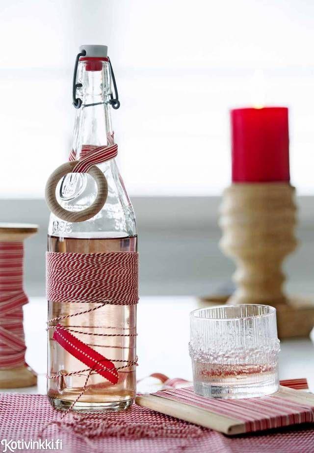 Teippiä, puisia renkaita ja hauskoja nauhoja – joulun pöytäkoristeet syntyvät vauhdilla!