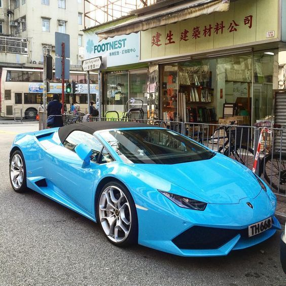 Lamborghini And Ferrari Which One Is More Expensive on