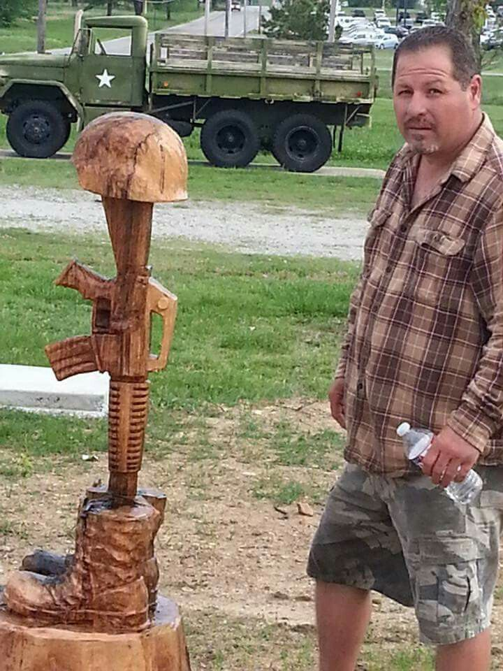 Chainsaw artist rick quick from spavinaw oklahoma