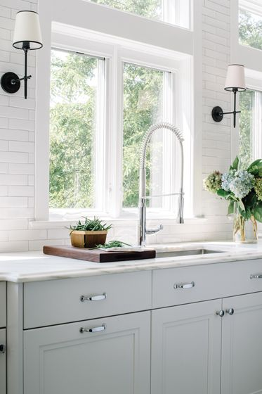 Warm Welcome Home Design Magazine Decorating Small Spaces Small Kitchen Sink Kitchen Sink Design