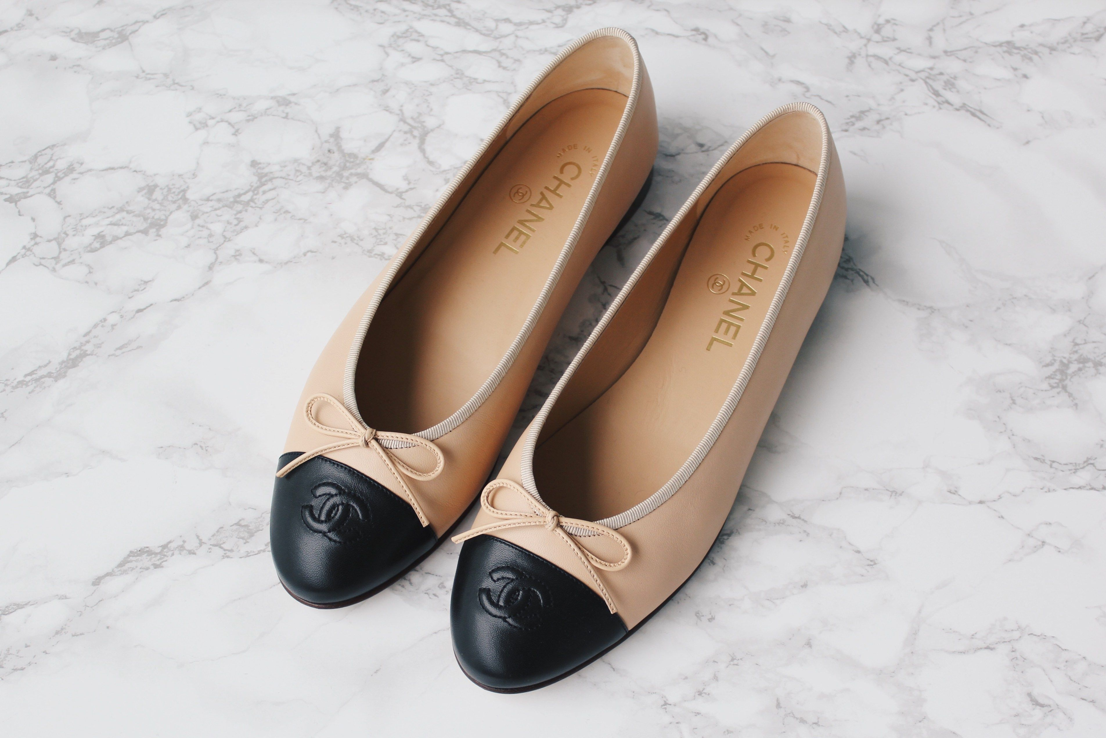 pretty nice 7aa94 e0e58 Chanel Flats / Ballerinas beige saansh.com | Shoes in 2019 ...
