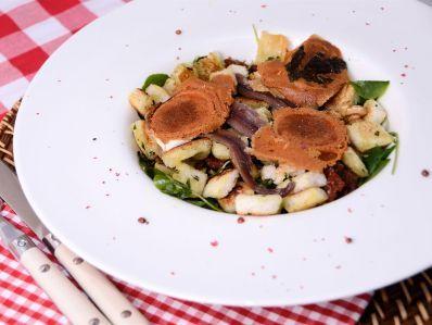 Receta | Ensalada de queso de cabra y anchoas - canalcocina.es