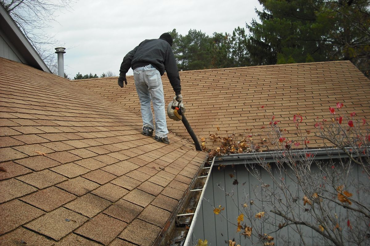 Best Ways To Clean Gutters Cleaning Gutters Gutter Cleaning Tool Gutters