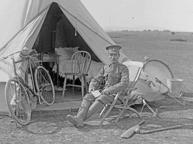 On manoeuvres 1905