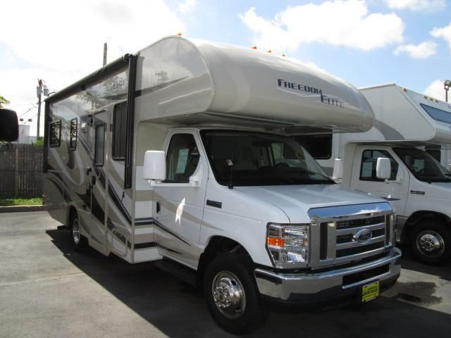 Used 2014 Thor Motor Coach Freedom Elite 23h Class C For Sale Camping World Rv Sales Camping World Rv Sales Thor Motor Coach Used Class C Motorhomes