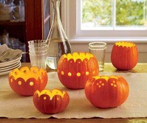 Pretty alternative for pumpkin decorations #RobinBaron #PumpkinCenterpiece