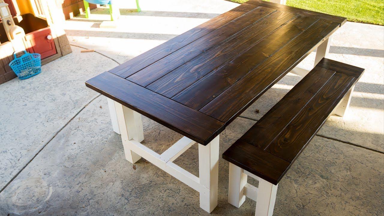 Building a farmhouse table for the patio farmhouse table