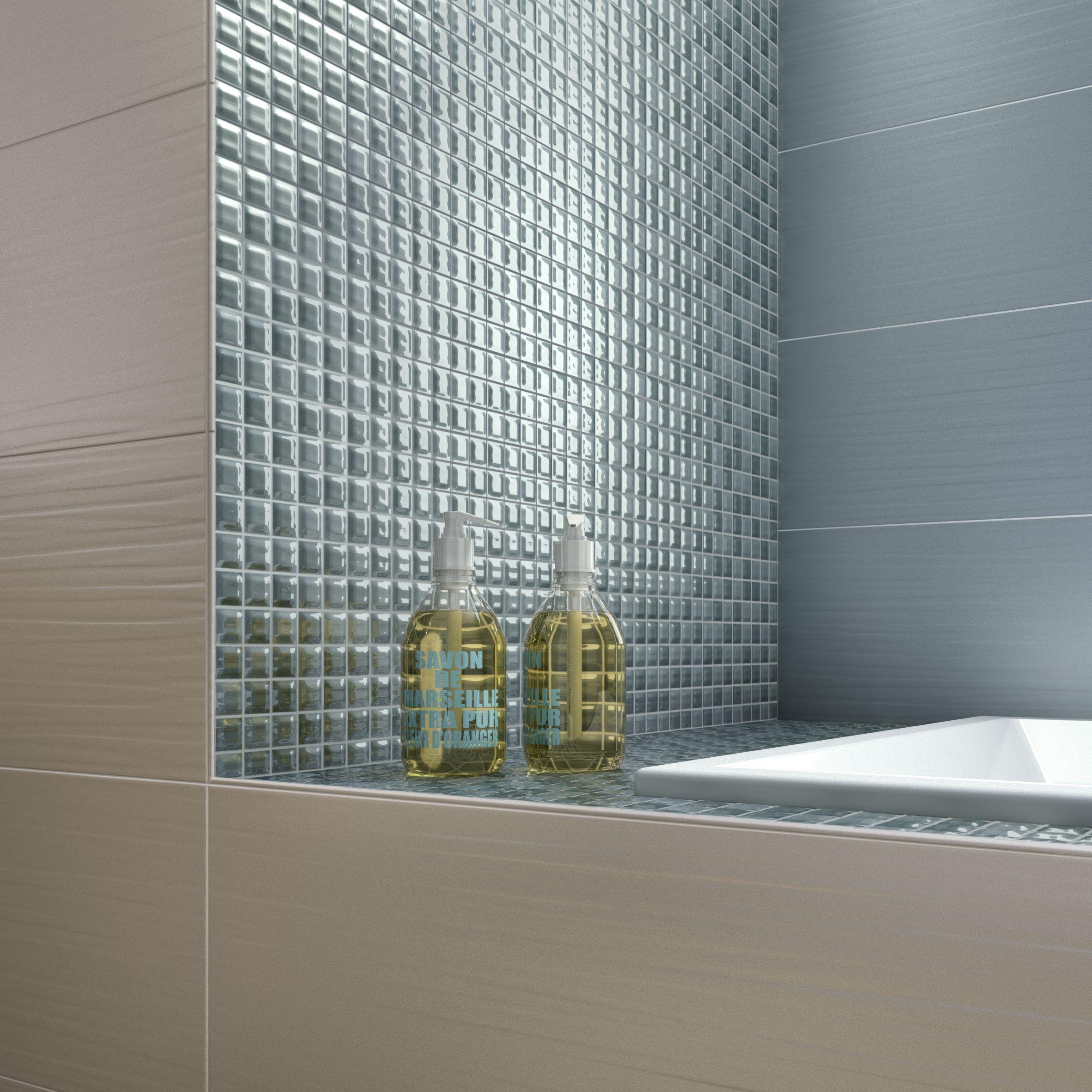Versatilità ed eleganza sono le due peculiarità da cui è nata Lace, la collezione di rivestimenti ideale per bagni di design. Un'ampia gamma di decorazioni e di mosaici permettono di realizzare ambienti in linea con il proprio gusto personale. http://www.supergres.com/your-home/rivestimenti/item/162-lace  #Bathroom #RivestimentoBagni #WallTiles #CeramisOfItaly