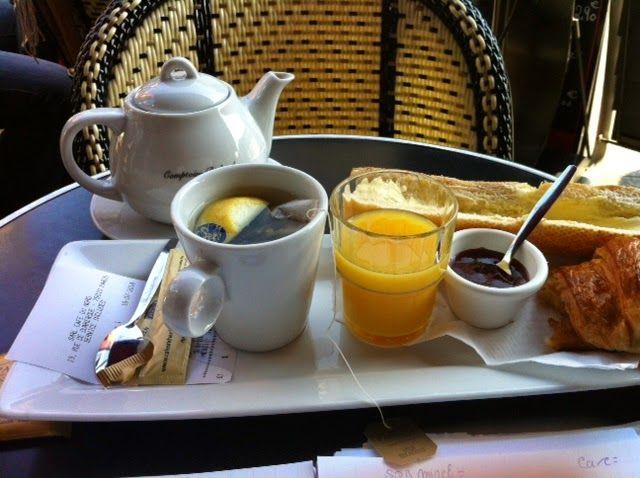 Petit Déjeuner à la française....
