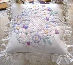 Resultado de imagem para candlewick embroidery