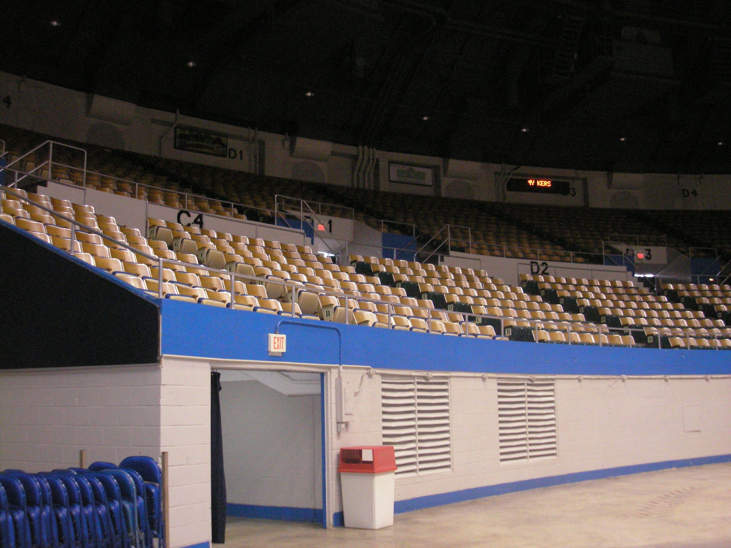 Nashville Municipal Auditorium Auditorium Seating Area At C 4 Auditorium Seating Seating Charts Seating