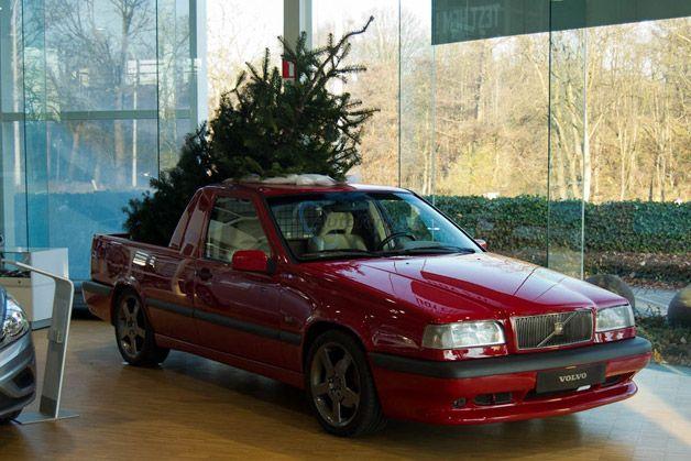 28 Christmas And Cars Ideas Christmas Used Volvo Christmas Decorations