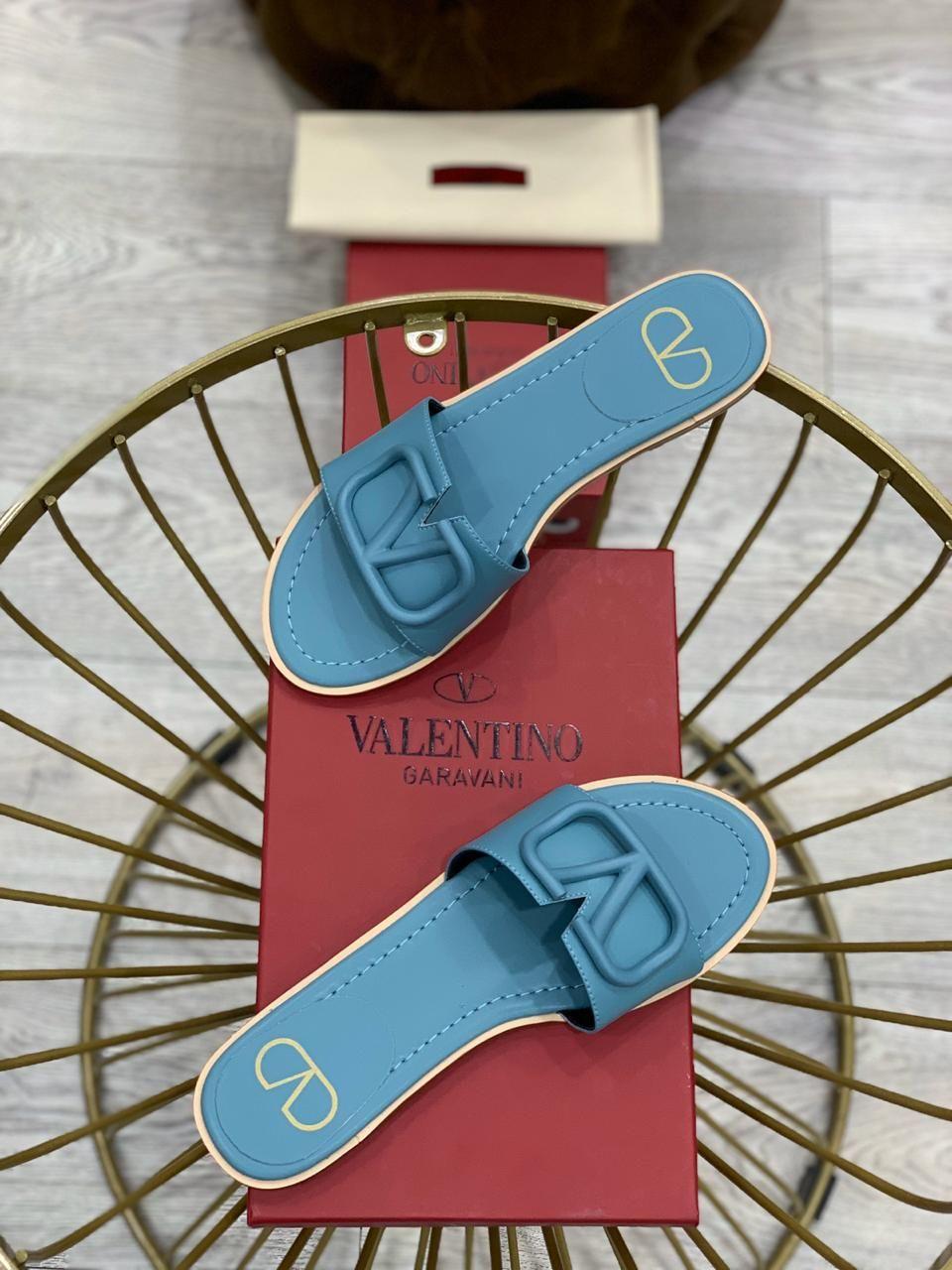 Mehmet Karakulak Adli Kullanicinin Footwear Panosundaki Pin 2020 Terlik Ayakkabilar Duz Ayakkabilar