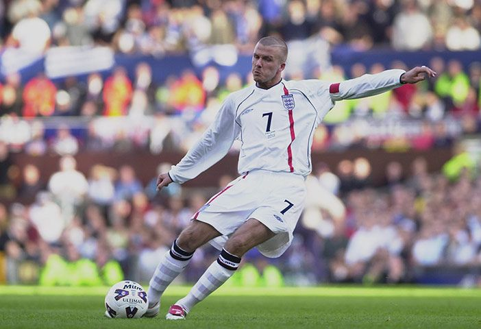England S Umbro Football Kits In Pictures David Beckham Football England Shirt Play Soccer