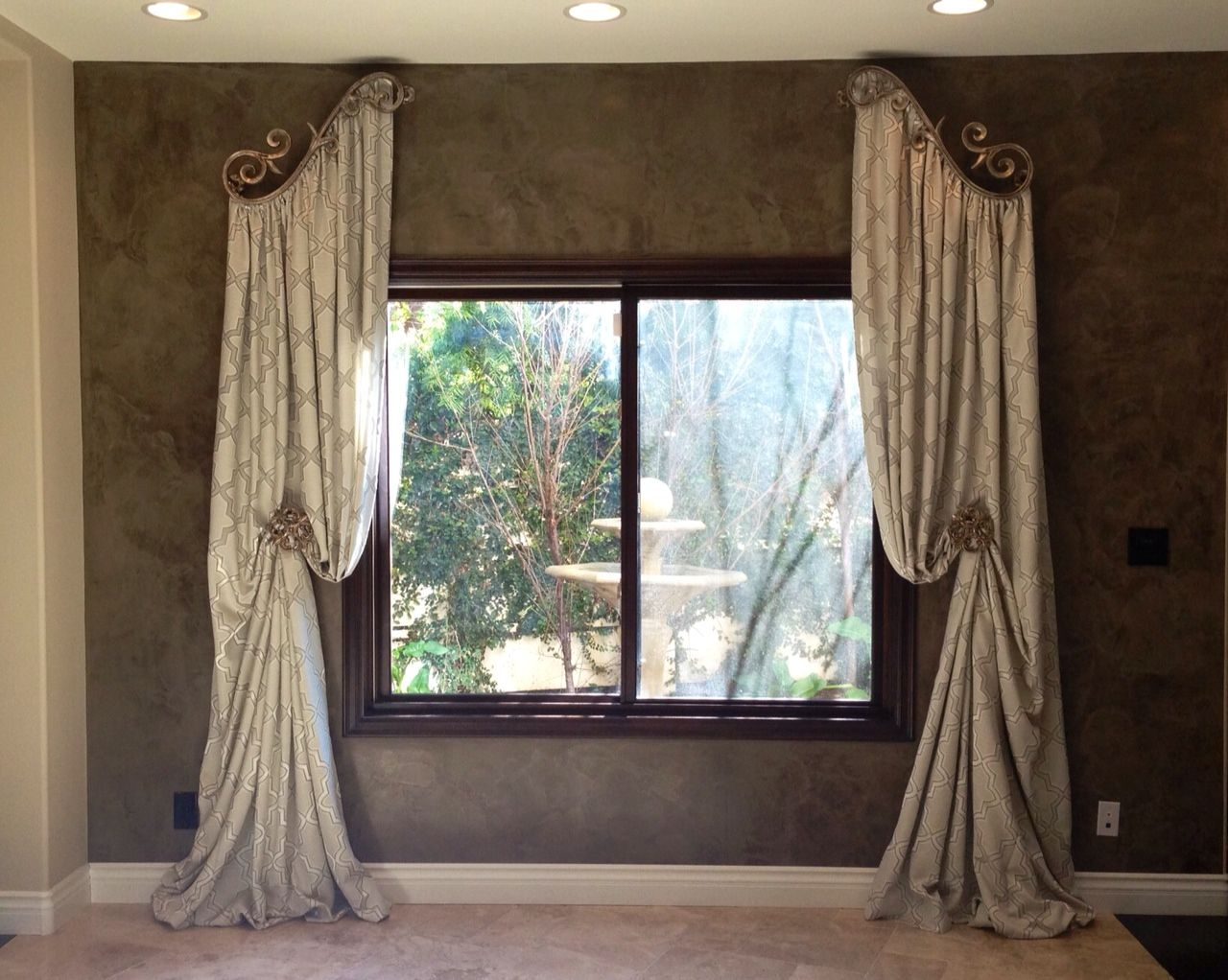 Venetian Large Scroll Drapery Inspiration Window