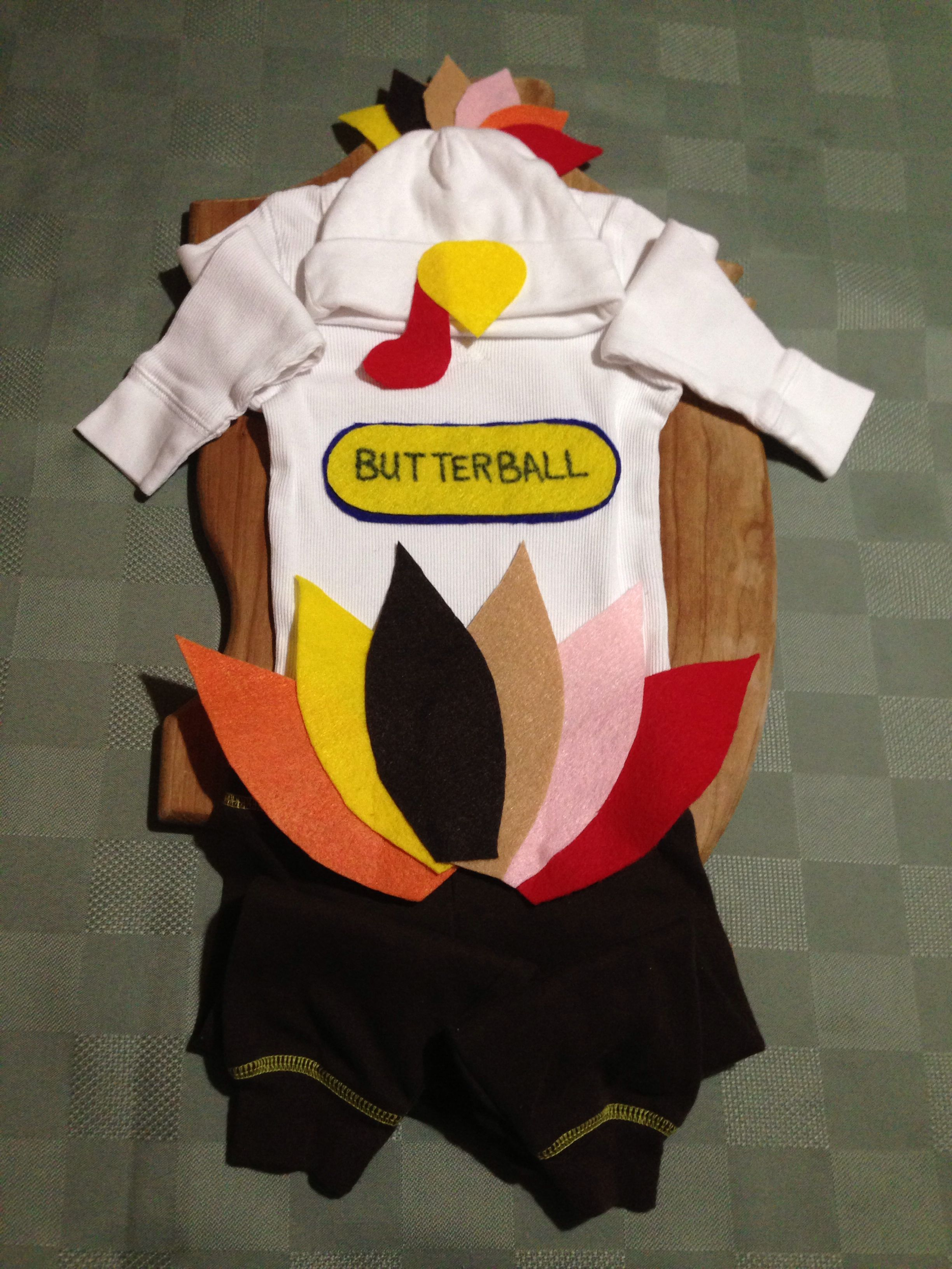 61d6eab4f DIY Thanksgiving outfit turkey costume for baby! How cute is this ...