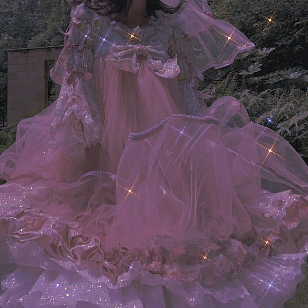 Pin By đường Vũ Yen On Blink Blink Pastel Aesthetic Princess Aesthetic Fantasy Gown [ 1080 x 1080 Pixel ]