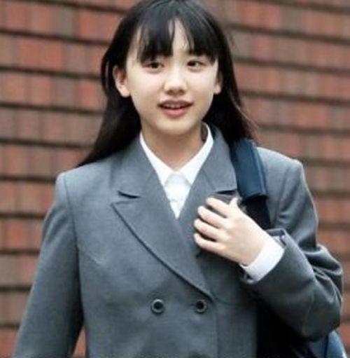 天才子役として名を残す芦田愛菜さんもすっかり成長