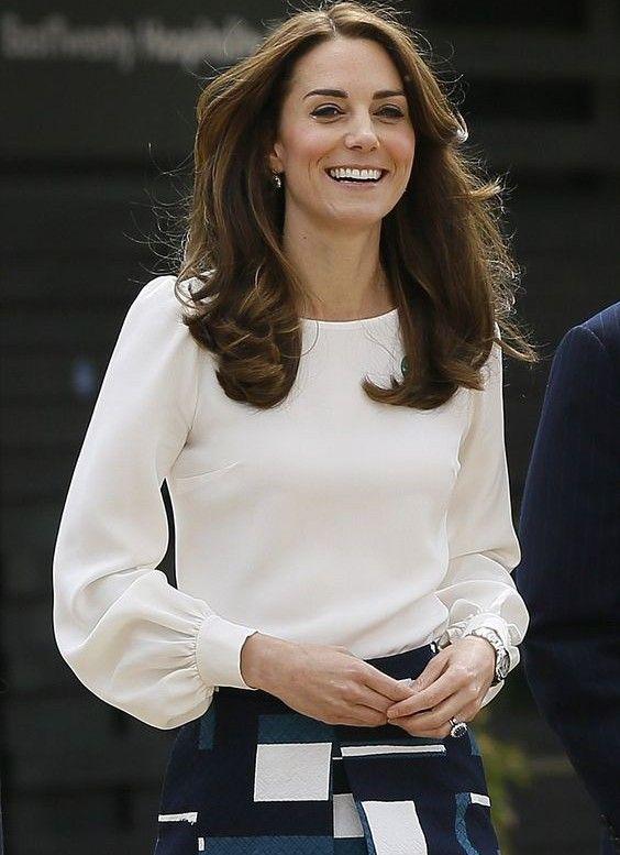 8902113b040d Duquesa Catherine | Cabello y maquillaje! en 2019 | Blusas mujer ...